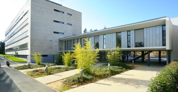 lycée Louis Armand à Villefranche-sur-Saône (69)