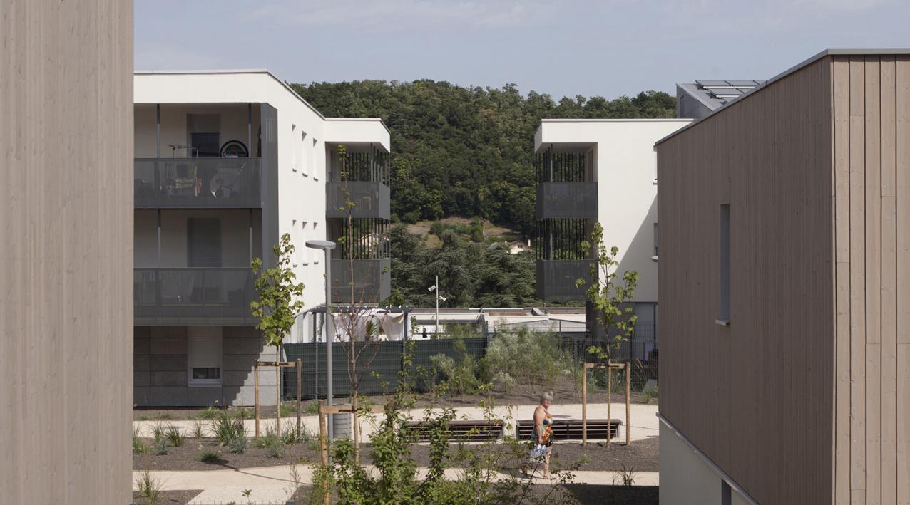STUDIOGARDONI_RIVE DE GIER_COUR2